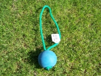 Moosgummiball blau schwimmend