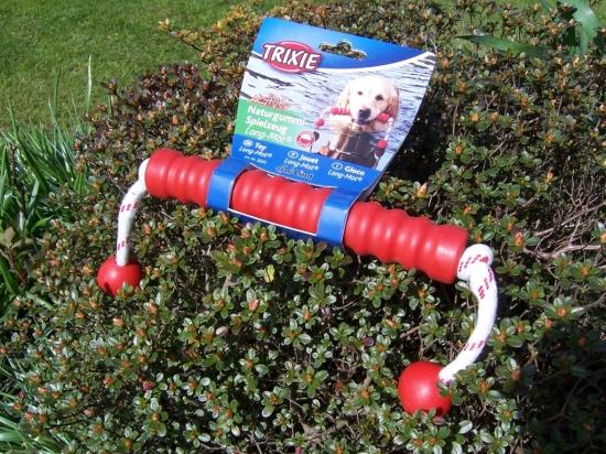 schwimmfähiger Long-Mot für das aktive Spiel mit dem Hund am und im Wasser